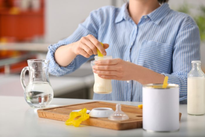How to Safely Prepare Baby Formula with Water