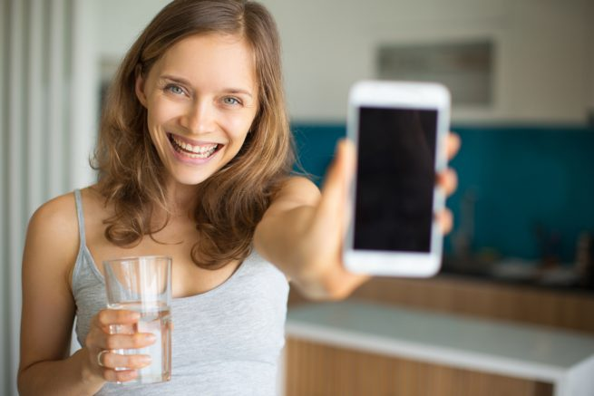 Top 4 Water Tracking Apps to Make Sure You're Drinking Enough Water